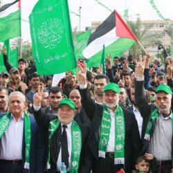 ظريف يؤكد رغبة إيران بتوثيق العلاقة مع السعودية