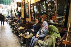 المقاهي المصرية: ثقافة وسياسة وفضاءات مدينية!