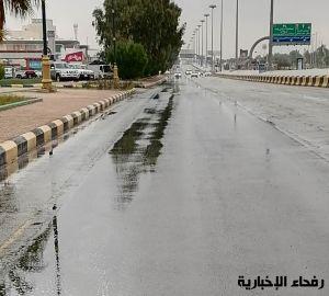 هطول أمطار على محافظة رفحاء بالسعودية